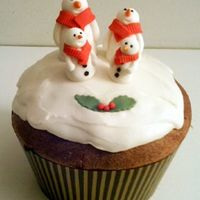 Snowmen Covered panettone in RI and fondant