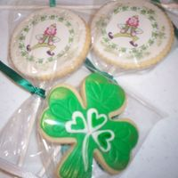 Shamrocks And Leprechans Made these for a St Paddy's party this year. NFSC with Rhonda's Ultimate MMF. Leprechans are edible images. For the bouquet, I...