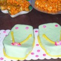 Flip Flops Vanilla Cake This is a simple flip flop vanilla cake. Cover and decorated with fondant