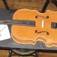 Violin VC with MMF; Handle made out of RKT; Strings are angel hair pasta