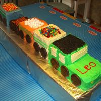 3D Train With Carriages Holding Candy