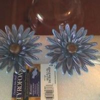 Gerber Daisy Attempt Made these for the 1st wedding cake I've ever made.