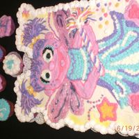 Cimg1989.jpg abby Cadabby cupcake cake. BBC icing. Everbody loved this cake, they could not stop talking about it.