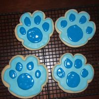 A Clue!!! A Clue!!! Blue's Paw Print for DD's 2nd birthday party. All royal icing.