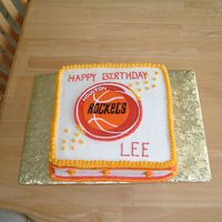 Basketball Theme This simple buttercream cake has a hand painted plaque of the boys favorite basketball team. I used tip #18 for the top border with a #5...