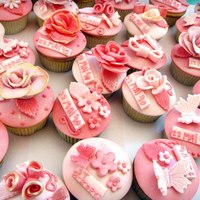 Pink & Sparkle Cupcakes