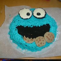 Cookie Monseter stermade this for a friends birthday this morning, got the idea from here and she saw it and loved it, made from butter cream, the cookies...