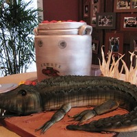Gator Cake And Crawfish Pot Wasn't sure if this went under animal or food! lol I make alligator cakes all the time but they usually look much cuter than this guy...