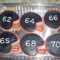 Mvc-022S.jpg football helmet cookies