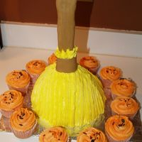 Witch Broom Cake I copied this cake from the Wilton yearbook. All buttercream icing.
