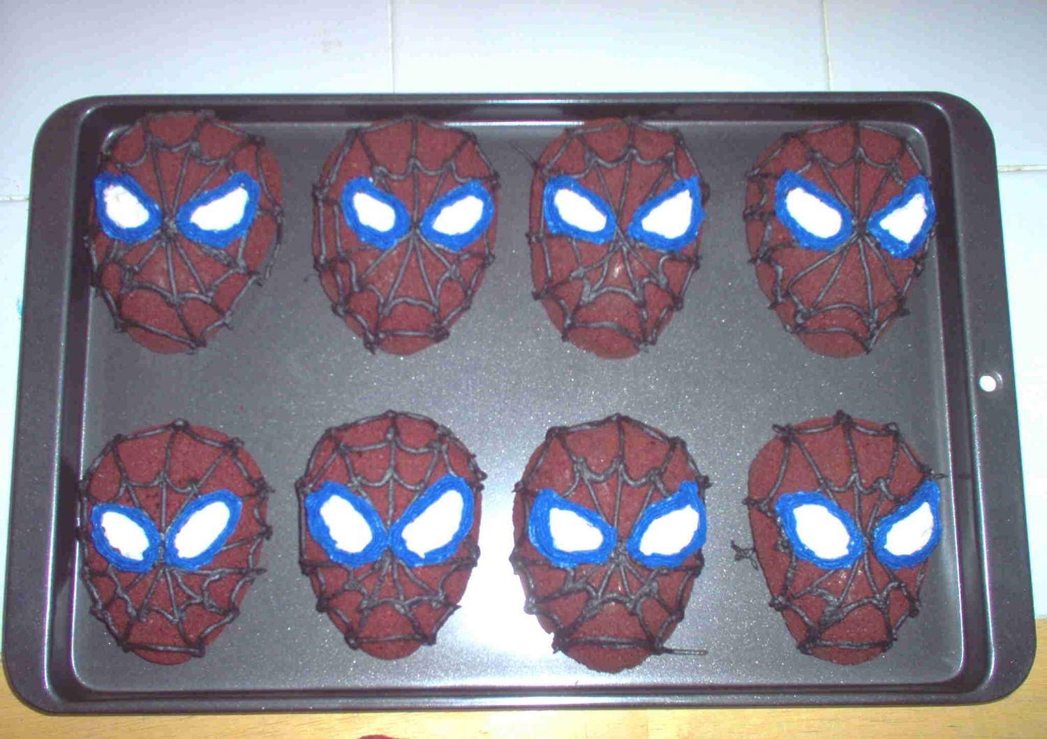 Spiderman Cakes My son had a bowling party for his 4th birthday but still wanted the Spiderman theme. I made the Spiderman heads to eliminate having to cut...