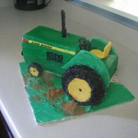 John Deere Tractor This is another 3d cake which I'm starting to fall inlove with doing! It's mostly done in buttercream with the wheel covers,...