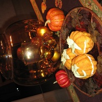 Pumpkin Cuppies   Pumpkin cake with maple/cream cheese frosting in middle. Did not frost outside so they would not be too sweet!
