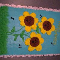 Sunflower Cake I made this several years ago for my daughter's 1st birthday.