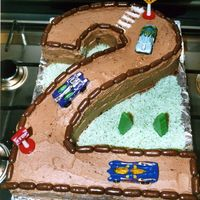 Race Car Track No. 2 Race track made for my little boy in Sept 04, just for when he really started to love cars (i made this cake on the evening of coming home...