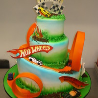 Hot Wheels This was a perfect cake for a little boy into his cars!