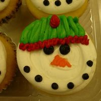 Snowman Cupcakes BC icing on cupcakes