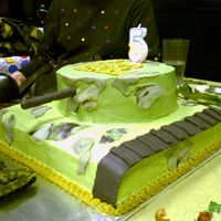 Army Tank Cake This is a white cake frosted in buttercream and decorations are all fondant.