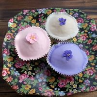 Spring Flower Cupcakes These Spring Flower Cupcakes are from Susannah Blake's book 'Cupcake Heaven'. They are a Vanilla cupcake, lemon glaze and a...
