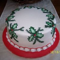 Holly Leaves   I saw this cake in a Taste of Home magazine so I thought it would be a fun one to make...