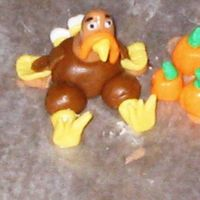 Fondant Turkey Thank you TexasSugar for sending me in the right direction on how to build these cute little guys. It was sooo much fun. Unfortunately, I...