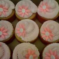 Jewelry Party Cupcakes   Vanilla cupcakes with vanilla buttercream and fondant flowere