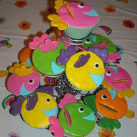Fish Cup Cakes   I made these for my daughter's 10th b-day.