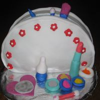 Make Up Bag all fondant, my second fondant cake.