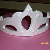 Fondant Tiara Thanks to someone on here for the tiara 'pattern' I tried to make it in royal icing...did you know royal icing shatters like...