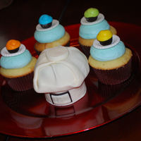 Cupcake Chef For my own birthday this year, I tried to make Cupcake Evny's Chefs hat and matching cupcakes.