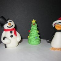 Fondant Snowman, Christmas Tree & Penguin I know Halloween isn't even here yet, but I got caught up on Lorraine McKay's site (aine2) and couldn't help myself. I had...