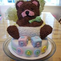 Wilton Stand Up Bear Baby Shower Cake This was a practice for my sister-in-laws baby shower next week.