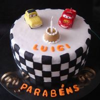 Cars! Less is more. A simple but charming cake.