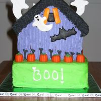 Back Of Haunted House added a few things to the back of this cake ... ghosts, bats and writing are royal icing, all the rest is buttercream.