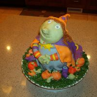 Halloween Witch witch from wonderball pan with fondant decorations