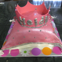 Princess Pillow 1St Birthday Pillow cake covered i fondant.
