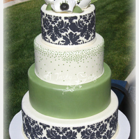 Black And White Cake With Stencil Dummy cakes, practicing with stencil.