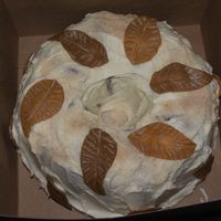 Dscf2104.jpg Sweet Pot. lb cake with fall leaves out of fondant