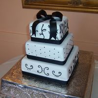 Black And White Wedding (Close-Up)
