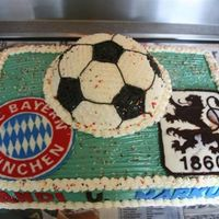 Munich Derby Munich has two official teams - FC Bayern München and TSV 1860 and you're ONLY either a Bayern Fan or a Löwen Fan,...