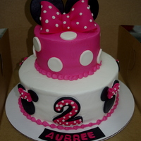 Minnie Mouse buttercream with fondant accents