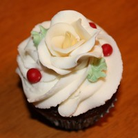 Cupcakes For A Wedding Hand molded candy clay roses with berries.
