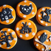 Halloween Cookies 2010 I found some cool clipart online that I thought would make great cookies. TFL
