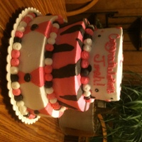Multi Zebra   3 Tier Black, White & Pink For Graduation. This had 3 flavors but I don't remember what kind they were
