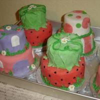 Mini Cakes-Strawberry Shortcake Theme