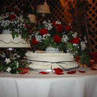 Rhonda2.jpg   This is my first wedding cake.