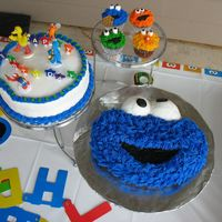 Cookie Monster Cake And Sesame Street Character Cupcakes Thank you for the inspiration CC!