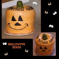 My Halloween Pumpkin 2 Bundt cakes, 2 9 inch cakes. All chocolate