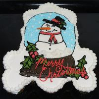 Snowman Snowglobe Cupcake Cake Thanks to tripletmom for the idea. This is a small cupcake cake for my son's cub scout den Christmas party. I also used a real carrot...