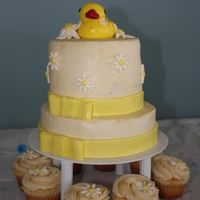 Rubber Duck And Daisy Baby Shower For a coworker, since they are keeping the sex a surprise and the nursery a neutral yellow I didn't have much to go on! Buttercream...